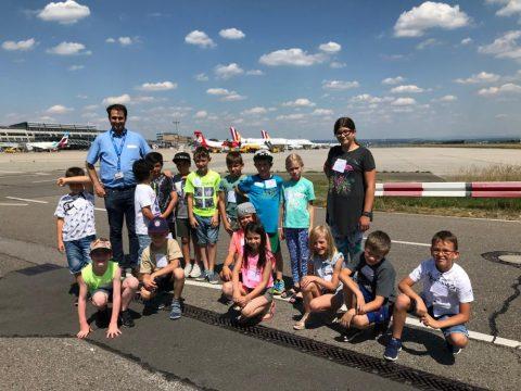 Check-in auf dem Flugfeld: Ein Besuch auf dem Flughafen Stuttgart im Rahmen von LULE