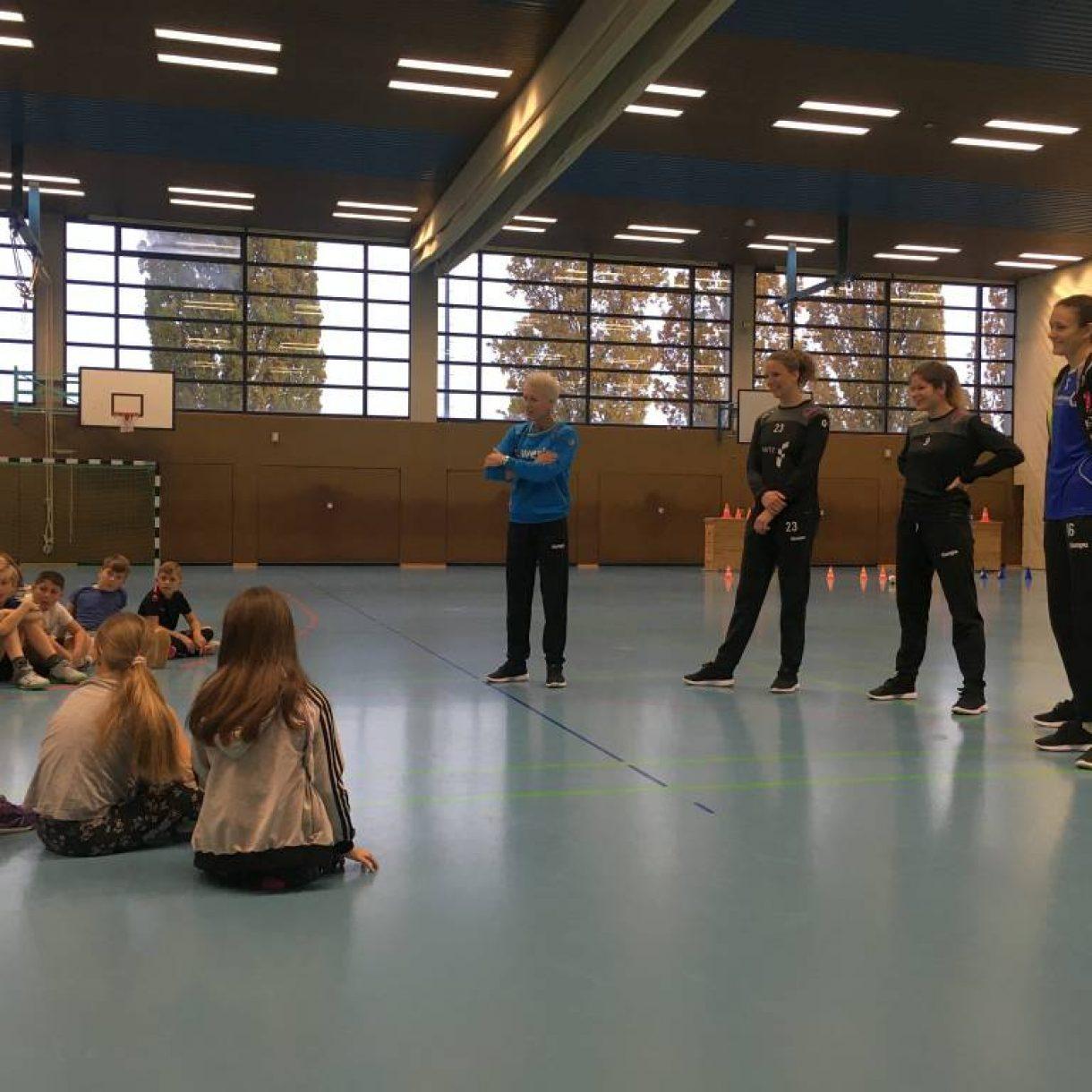 Tussies Metzingen zu Besuch in der Neugreuthschule Metzingen